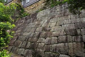 岡山城 塩蔵下の石垣-2