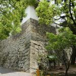 月見櫓下の石垣